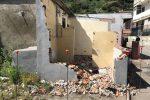 Messina, ruspe in azione a Camaro: demolite le baracche evacuate - Foto