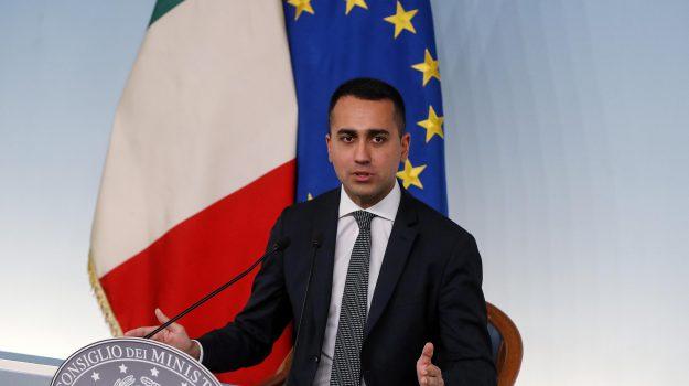 aperture domenicali, commercio, Sicilia, Politica