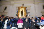 Omaggio alla Madonna di Capocolonna, le foto dei fedeli in processione a Crotone