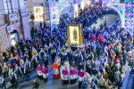 Un bagno di folla a Crotone per l'effige della Madonna di Capocolonna