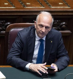 "Professoressa sospesa a Palermo, Bussetti: ""La incontrerò insieme a Salvini"""