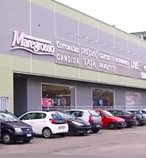 Rapina al centro commerciale Maregrosso