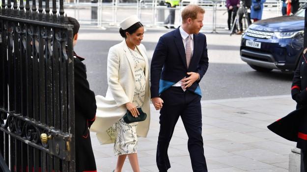 Buckingham Palace, royal baby, Meghan Markle, Sicilia, Mondo