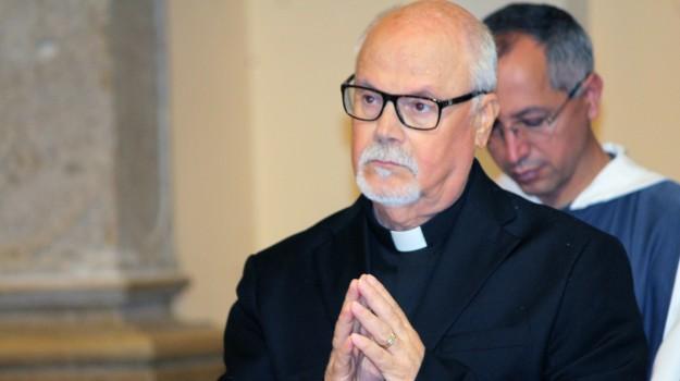 sacerdote catanzaro, Nicola Pacetta, Catanzaro, Calabria, Cronaca