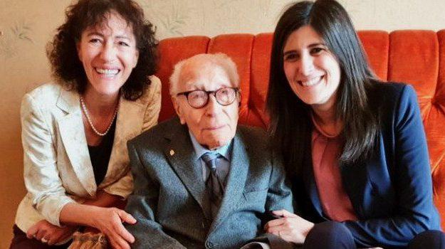 l'uomo più anziano d'Italia, Aldo Ferrisi, Chiara Appendino, Salvatore Cavallo, Sicilia, Società