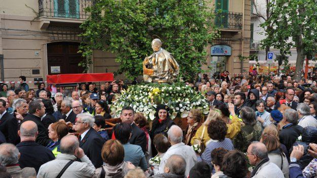 messina, religione, giovanni accolla, Giovanni Paolo II, Mario Magro, padre annibale, Messina, Sicilia, Società