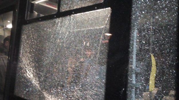 amc catanzaro, autobus catanzaro, vandalismo catanzaro, Catanzaro, Calabria, Cronaca