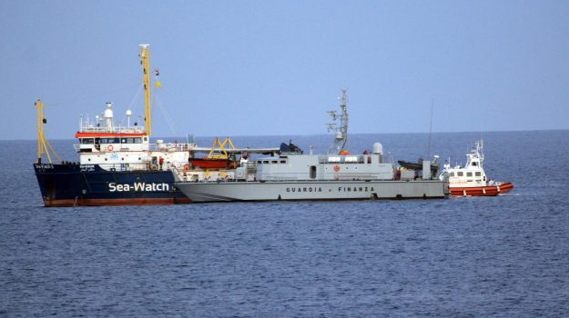 migranti, sea watch, Arturo Centore, Sicilia, Cronaca