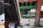 Violazioni al regolamento edilizio, sequestrati due autolavaggi di Montalto