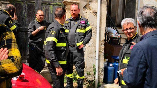 appartamenti inagibili, carabinieri di Squillace, centro storico di Squillace, evacuate famiglie, Catanzaro, Calabria, Cronaca