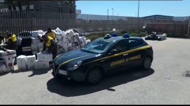 contrabbando sigarette, porto palermo, Sicilia, Cronaca