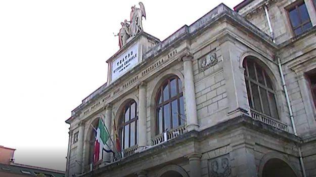 teatro, vittorio emanuele messina, Messina, Sicilia, Economia