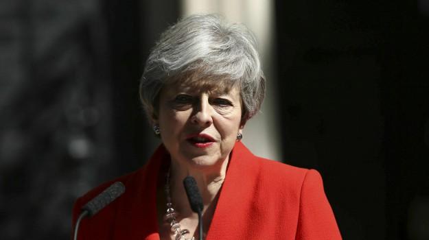 brexit, dimissioni may, Theresa May, Sicilia, Mondo