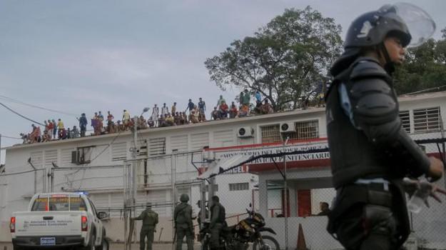 rivolta carcere, venezuela, Sicilia, Mondo