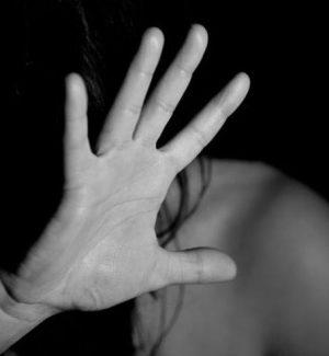 Segregata in una baracca e violentata, condannato a 20 anni l'orco di Gizzeria