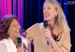 """Alessia Marcuzzi canta con la mamma a """"Domenica In"""" La conduttrice tv e la mamma ospiti di Mara Venier su Rai1 - LaPresse"""