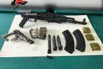 Armi e munizioni nascoste in un magazzino, scatta una denuncia a San Calogero