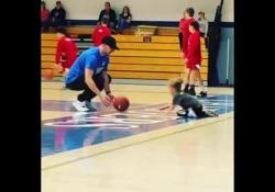 Basket, a 4 anni palleggia come una professionista Mika ha un talento davvero unico - Dalla Rete