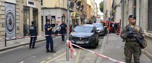 L'esplosione nel centro di Lione, l'ordigno era telecomandato a distanza