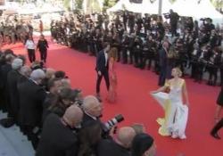 """Cannes, vince """"Parasite"""". Il regista Bong Joon-ho sul red carpet prima della premiazione La Palma d'Oro all'opera del sudcoreano che tratta il tema delle disuguaglianze sociali - LaPresse"""