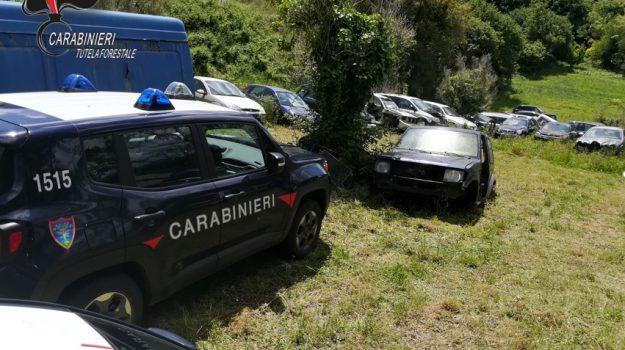 maida, rifiuti speciali, sequestro terreno 28 auto, Catanzaro, Calabria, Cronaca