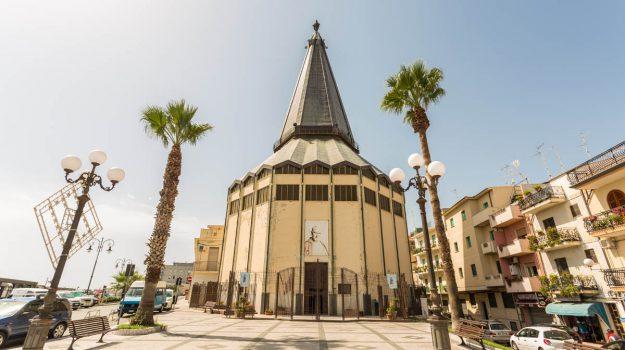 chiesa dell'immacolata, giardini naxos, Messina, Sicilia, Economia