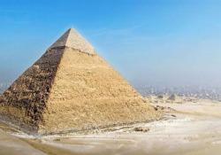 Com'erano (realmente) le 7 meraviglie del mondo antico Dalla piramide di Giza al Colosso di Rodi: ecco la ricostruzione in 3D dei grandi capolavori - CorriereTV