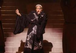 Eurovision song contest 2019: l'attesa esibizione di Madonna La pop star americana sul palco di Tel Aviv fa abbracciare due ballerini, uno con la bandiera israeliana e l'altra con quella palestinese - LaPresse
