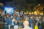 """Notte magica per Alberto Urso, nella città dello Stretto tutti in piazza a tifare per """"l'orgoglio di Messina"""" - Foto"""