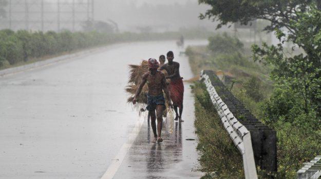 ambiente, ciclone, india, Sicilia, Mondo