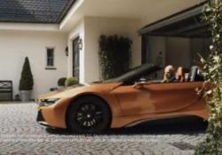 L'ad di Mercedes va in pensione il video omaggio della rivale Bmw è bellissimo Il 22 maggio l'uomo a capo della Mercedes-Benz, il ceo Dieter Zetsche, è andato in pensione e la rivale Bmw ha voluto rendergli omaggio con un video spiritoso - CorriereTV