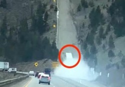 L'autoarticolato fuori controllo si mette in salvo sulla rampa di fuga Il drammatico filmato girato su un'autostrada in Colorado - CorriereTV