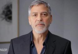 L'invito di George Clooney: «Venite sul lago di Como con me e Amal» Il premio messo in palio per beneficenza - CorriereTV