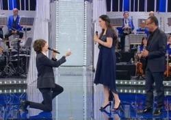 «La Corrida», l'esibizione e poi la proposta di matrimonio in diretta tv La coppia di concorrenti convolerà a nozze - LaPresse