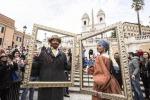 Laura Pausini e Biagio Antonacci a Trinità dei Monti per lanciare il loro tour