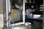 Corto circuito in un negozio di divani a Lamezia, scoppia un incendio