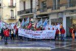 Vertenza Italbacolor di Fuscaldo, i lavoratori scendono in piazza
