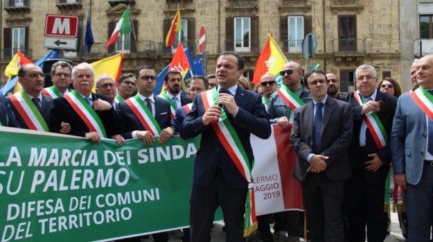 Dissesto delle ex Province siciliane, la marcia di De Luca si trasferisce a Palermo - Foto