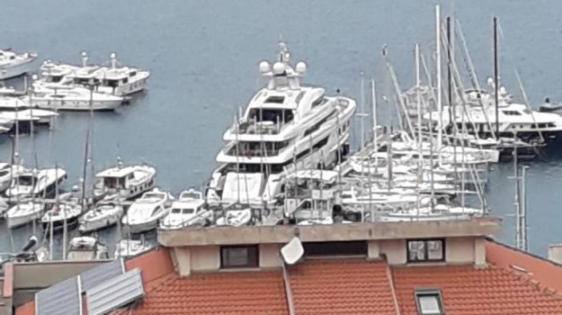 mega yacht, saramour, vibo marina, Catanzaro, Calabria, Cronaca