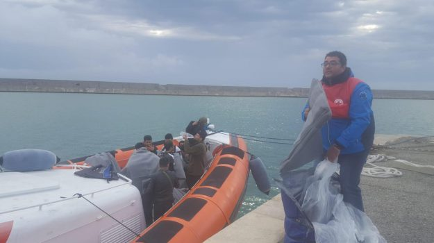 immigrazione, migranti crotone, sbarco, Matteo Salvini, Catanzaro, Calabria, Cronaca