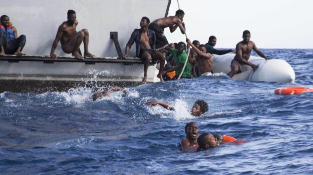 migranti, naufragio libia, Sicilia, Mondo