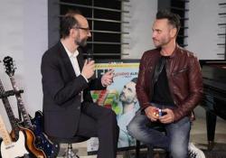 Nek: «Sport e politica dividono, la musica unisce» - CorriereTV