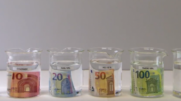 Nuovi tagli per le banconote da 100 e 200 euro - Foto