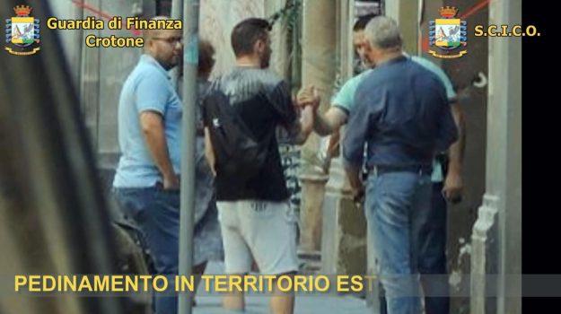 'ndrangheta crotone, arresti Crotone, clan manolo, guardia di finanza, san leonardo di cutro, Catanzaro, Calabria, Cronaca