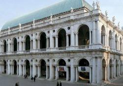 Palladio, dalla mimesis dell'antico all'architettura come arte pubblica In esclusiva per il Corriere, la clip del film «Palladio», diretto da Giacomo Gatti e prodotto da Magnitudo film con Chili. Al cinema il 20, il 21 e il 22 maggio - Corriere Tv