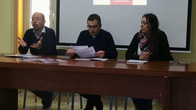 messina, poveri, report povertà 2019, Messina, Sicilia, Economia