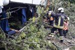 Bus nella scarpata in Toscana, il gip convalida l'arresto e scarcera l'autista di Castrovillari