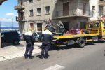 Dopo l'aggressione ai vigili di Reggio, il Comune intensifica i controlli sulla sosta selvaggia