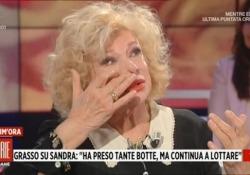 Sandra Milo in lacrime a Storie Italiane, una voce fuoricampo commenta: «Che attrice» Il commento sarcastico mentre l'attrice e conduttrice parla dei suoi problemi economici - LaPresse