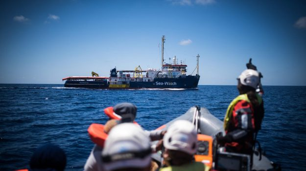 lampedusa, migranti, sea watch, Sicilia, Cronaca